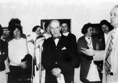 pag 142 Vernisajul expozitiei personale din 1978, la Cercul Militar National vorbeste criticul de arta Marin Mihalache